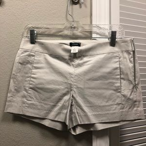 Pair of shorts gap and jcrew size 2